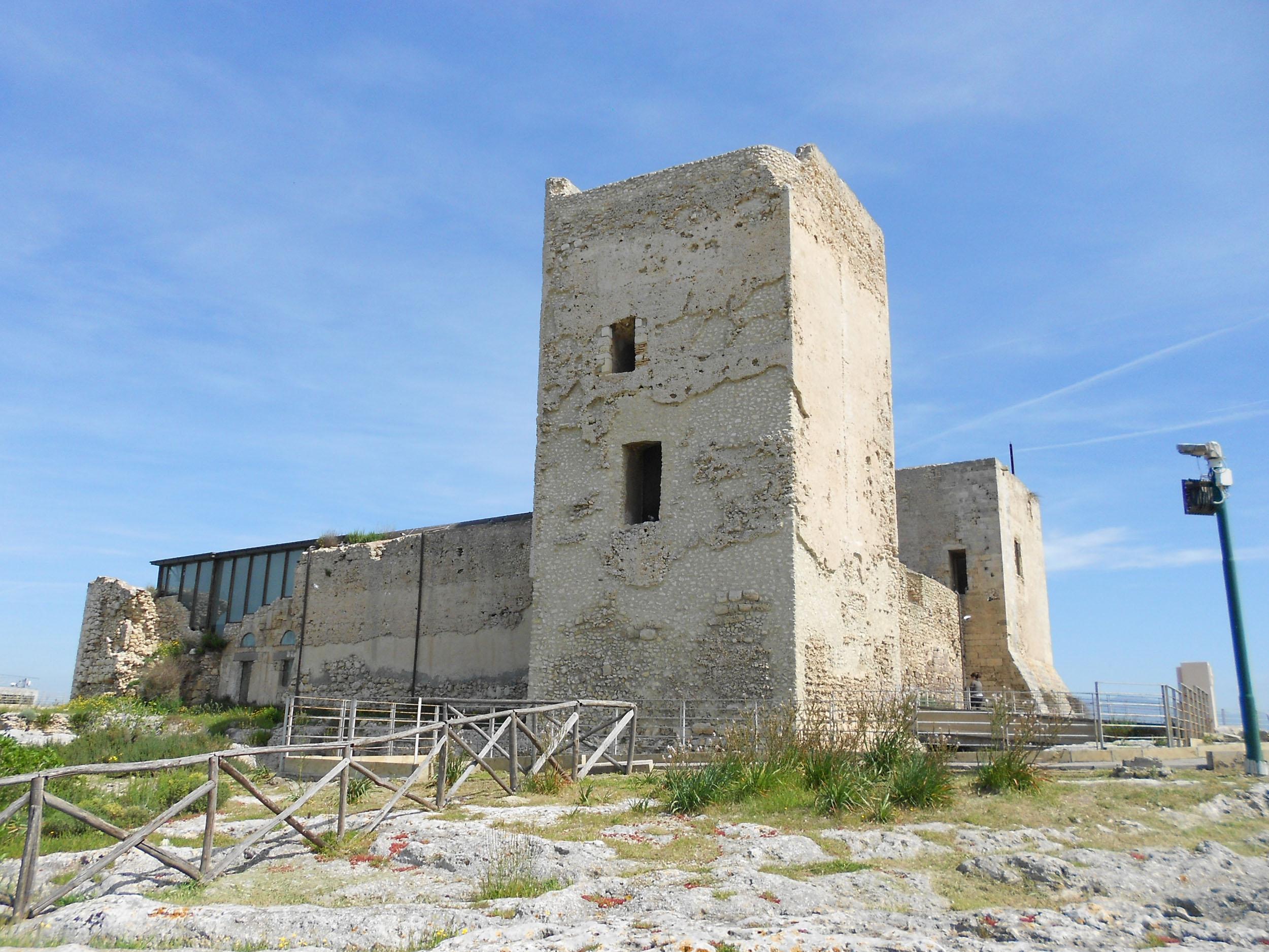 ANIME DIVERSE Collettiva Fotografica - Scuola d'arte fotografica Fine Art - visitabile fino al 3 luglio 2016 Cagliari Castello San Michele.