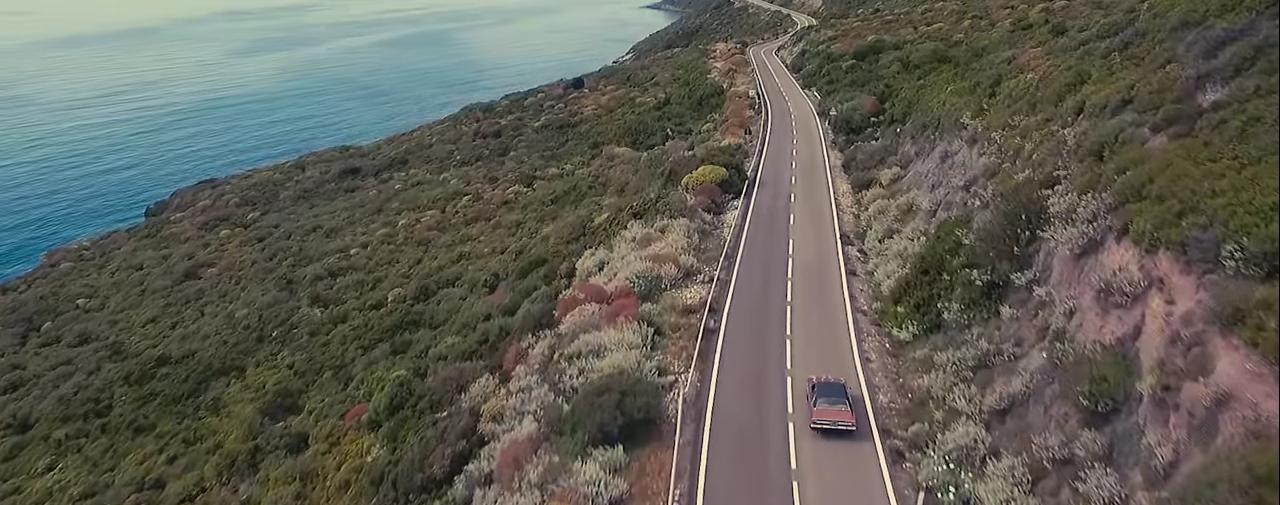 Panoramica della costa di Alghero dal Video Clip di Dave Ruda L'amore Esplode.
