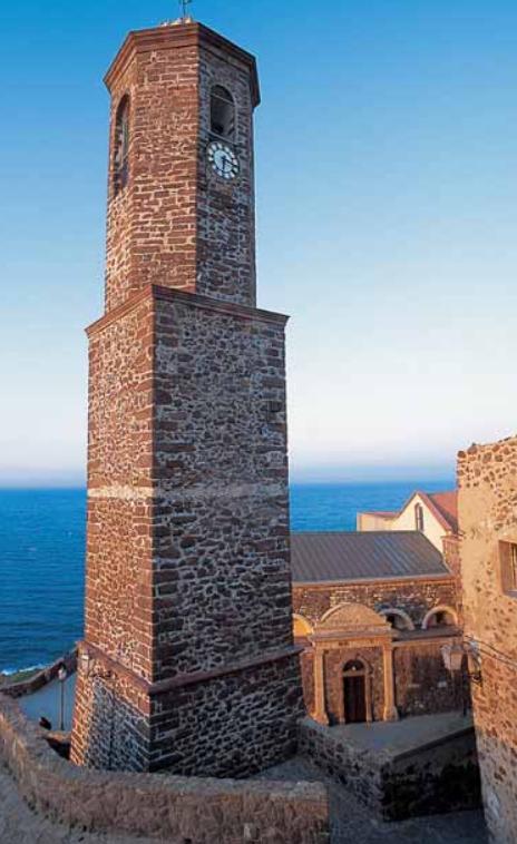 La cattedrale cinquecentesca di Sant'Antonio Abate a Castelsardo. Anglona Regione storico-geografica della Sardegna settentrionale dalle origini ai nostri giorni, informazioni storiche e turistiche.