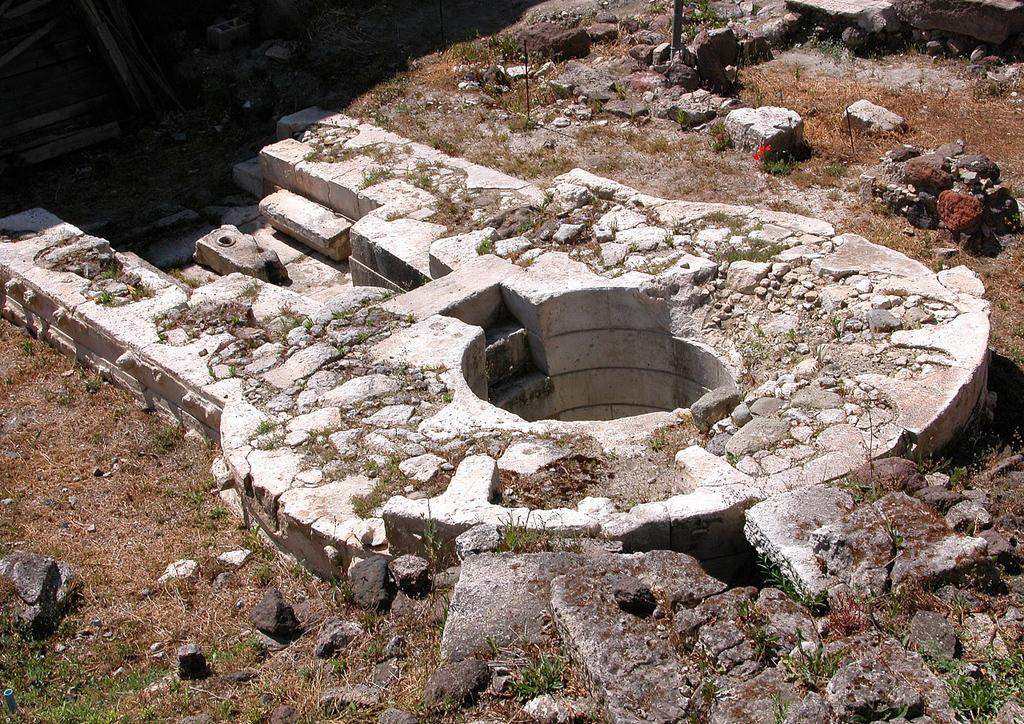 Perfugas pozzo sacro di Predio Canopoli, Anglona Regione storico-geografica della Sardegna settentrionale.