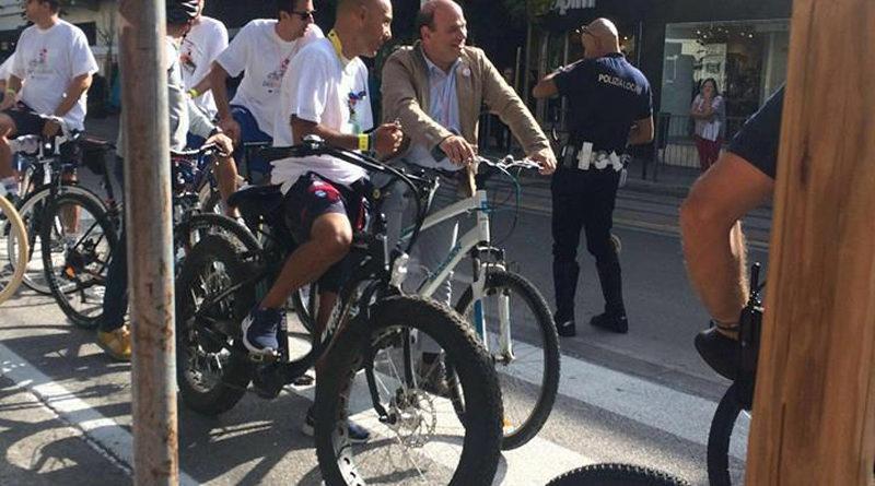 Ciclopedalata con il Sindaco Nicola Sanna e la Dinamo a Sassari 21 settembre 2016. Per Maurilio Murru del Movimento 5 Stelle di Sassari quella di oggi è stata: Una Ciclo-Buffonata, più rispetto per la città di Sassari e per i Sassaresi.