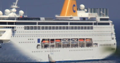 Costa Crociere fa scalo regolare a Porto Torres in Sardegna Estate 2017 con la nave Costa neoRiviera.