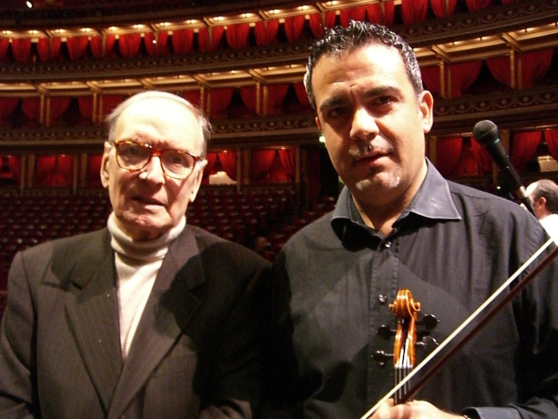 Il fondatore e Direttore Artistico è Simone Pittau, Violinista nell'orchestra del Premio Oscar Ennio Morricone dal 2002, fondatore dell'Orchestra da Camera della Sardegna, ha debuttato come direttore d'orchestra a soli 30 anni con la London Symphony Orchestra, incidendo un CD presso gli Abbey Road Studios di Londra.