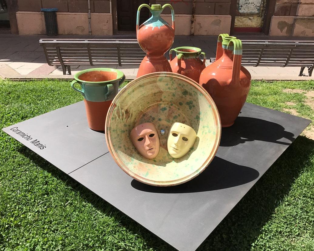 Oristano Città Museo da oggi installazioni ceramiche nel centro storico.