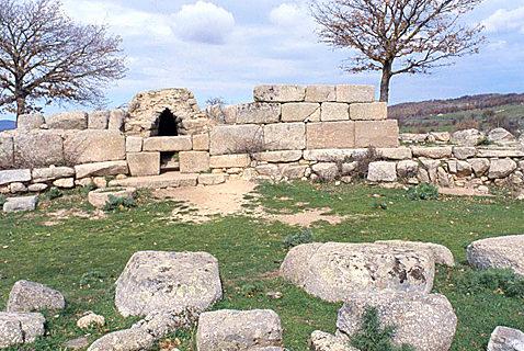 Tombe dei giganti Madau Fonni