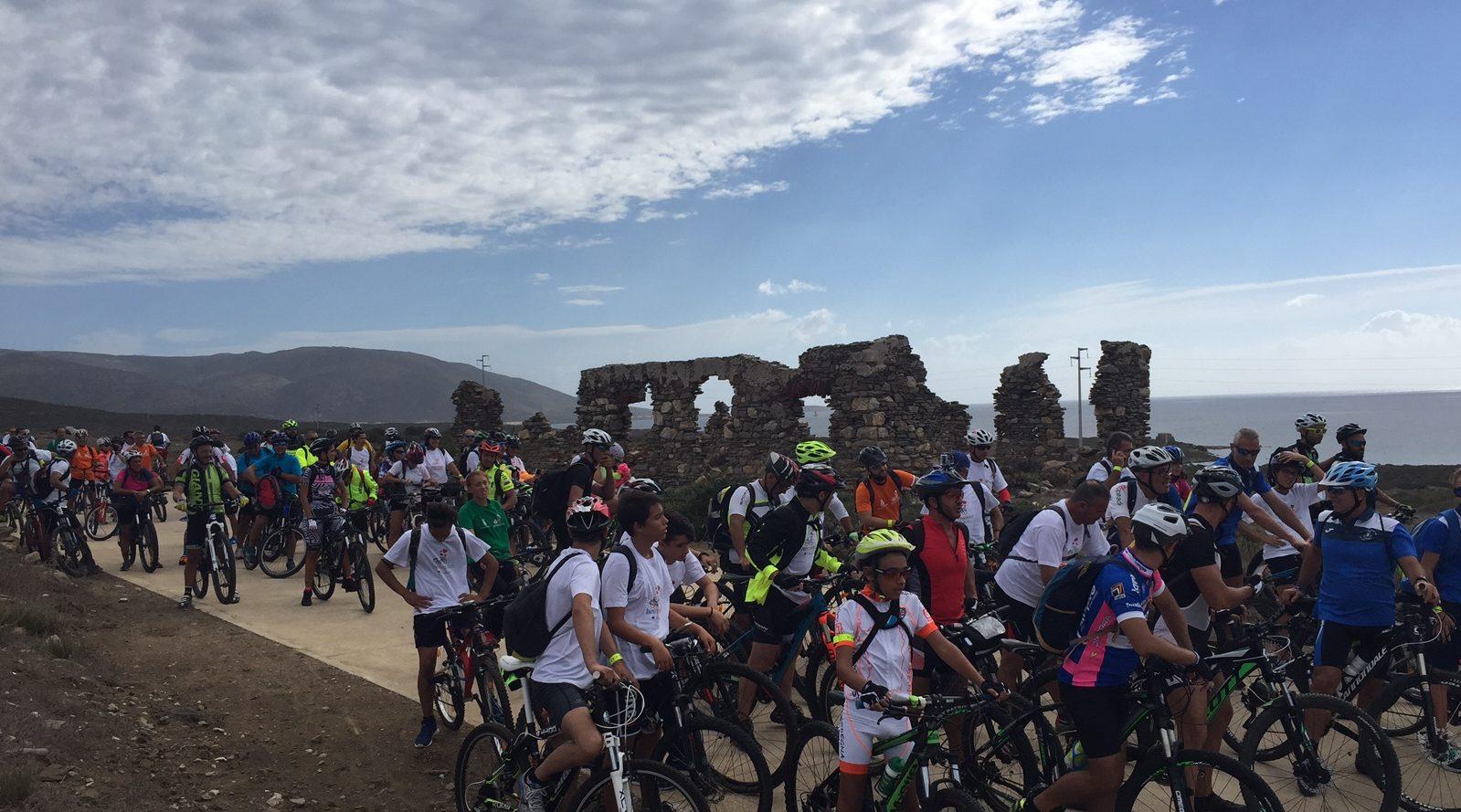 Porto Torres Bike sharing attiva la stazione in piazza della Renaredda. Porto Torres 11 agosto 2017 taglio del nastro per il nuovo servizio: saranno disponibili bici tradizionali e a pedalata assistita.