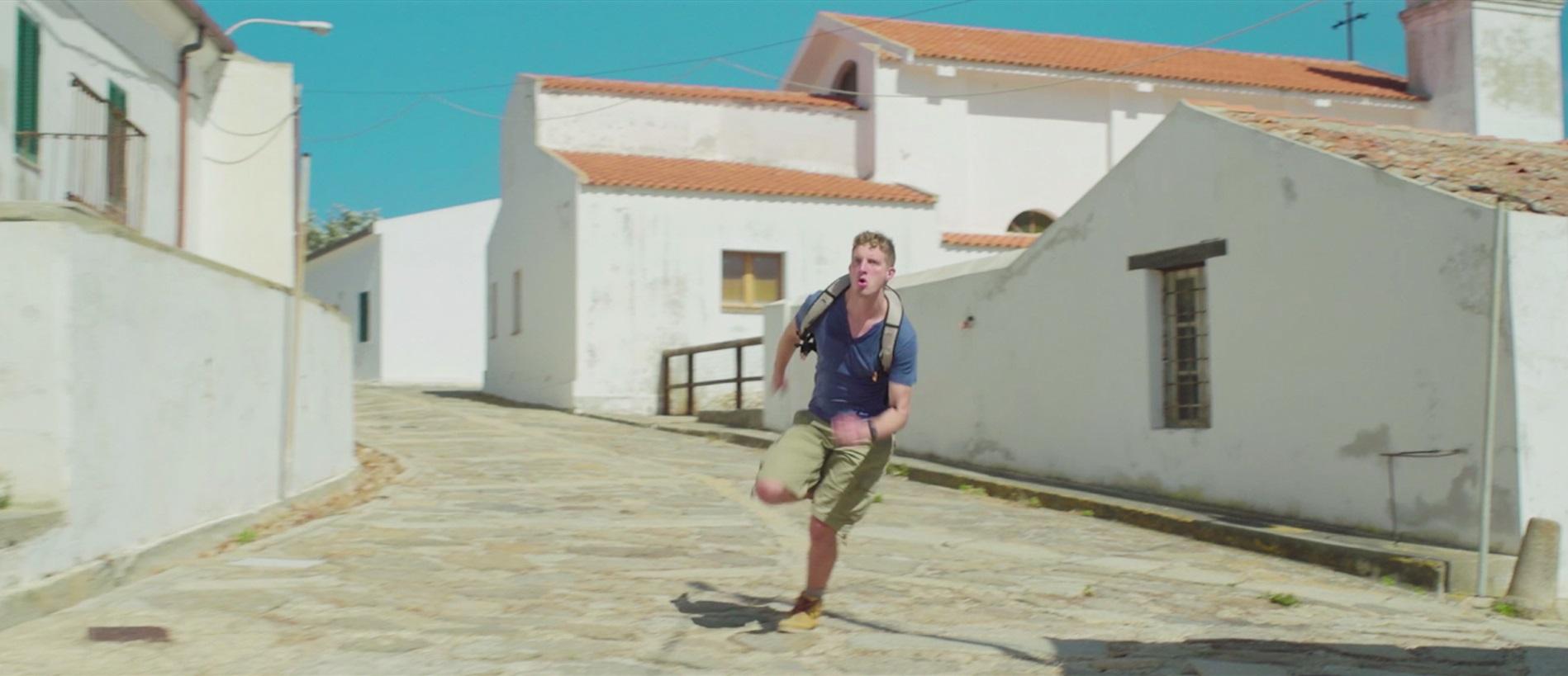 L'Asinara vista con gli occhi di chi la esplora per la prima volta, attraverso spettacolari riprese dal mare, da terra e dall'alto e una narrazione visiva in grado di cogliere scorci dell'isola parco meno conosciuti. Si chiama Last light il nuovo lavoro dei Day Trippers, già autori del video Feel the bay, girato lo scorso anno nella spiaggia di Balai, che ottenne migliaia di visualizzazioni su Youtube e Facebook. Il nuovo lavoro sarà online da sabato 12 agosto 2017 su Youtube, nel canale Day Trippers creato dai videomaker.