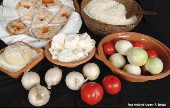 Autunno in Barbagia a Tonara 2017 enogastronomia dove mangiare e dove dormire, Tonara Cortes Apertas dal 30 settembre al 1 ottobre 2017 ecco il programma completo.