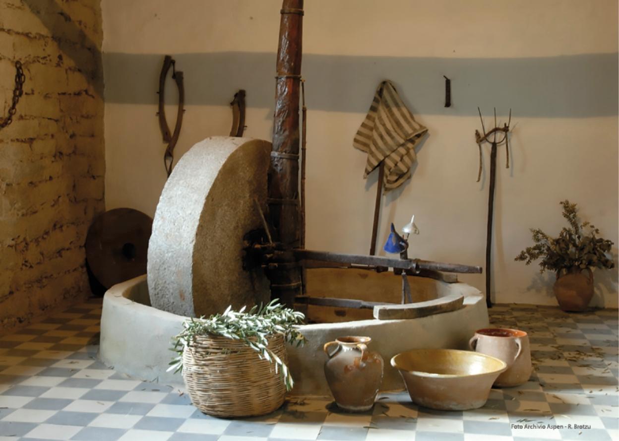 Sarule frantoio olive in pietra. Autunno in Barbagia a Dorgali Il Sapore Genuino dell'Ospitalità dal 16 al 17 settembre 2017 ecco il Programma Completo.