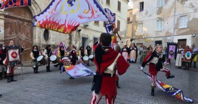 Ieri sabato 14 ottobre 2017 a Sassari le gesta e i costumi del Medioevo con la Giostra della Torre.