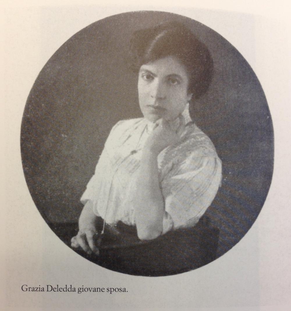 Le donne parlano di Grazia è il titolo del convegno internazionale che si svolgerà a Nuoro il 12 dicembre, organizzato dall'Istituto Superiore Regionale Etnografico in collaborazione con la Regione Autonoma della Sardegna e Fondazione di Sardegna.