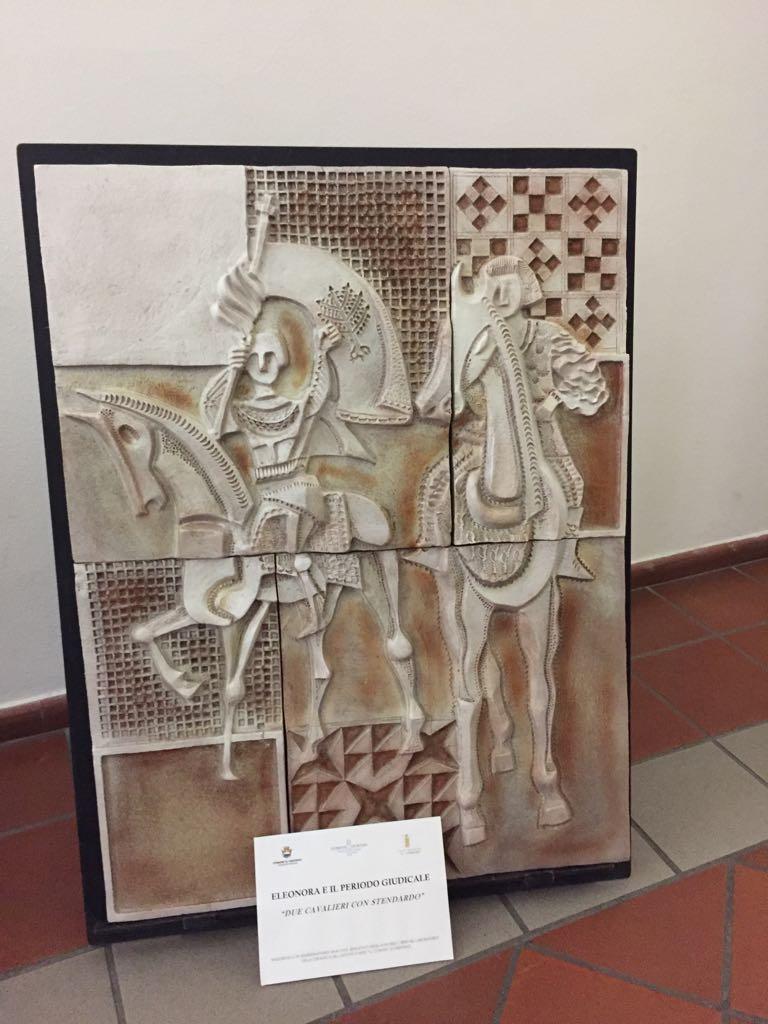 ceramiche a palazzo scolopi - due cavalieri con stendardo