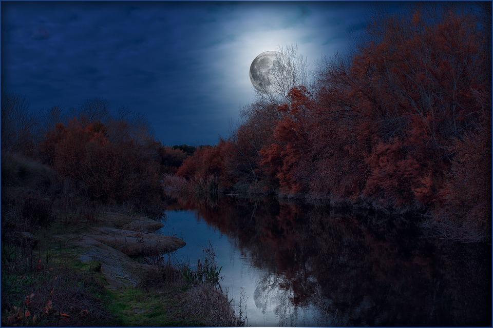 La Luna e la Valle di Massimiliano Rosa