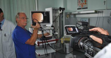 Una nuova arma nella diagnosi dei tumori del polmone a Sassari. Ammodernamento tecnologico del servizio di Endoscopia bronchiale dell''Aou di Sassari che ha attivato un service per videobroncoscopia, con sistema Ebus di ultima generazione, per la struttura complessa di Pneumologia clinica e interventistica. Sarà possibile intervenire con maggiore precisione ed efficacia nelle vie bronchiali.