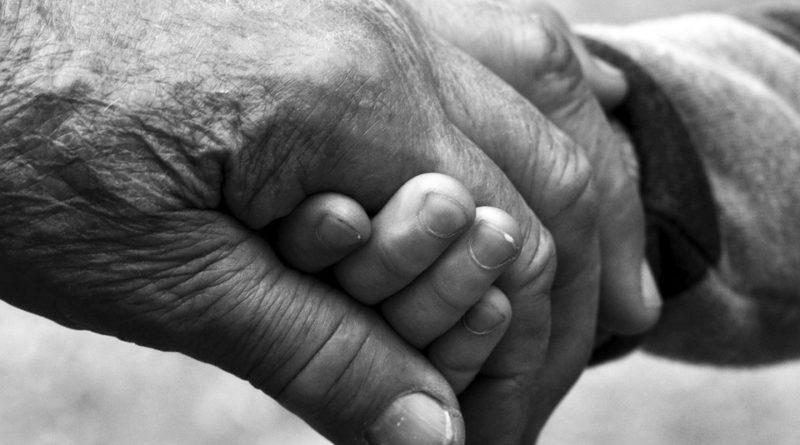 A Cagliari aperte le iscrizioni al programma Dopo di noi. Possono presentare domanda le persone di età compresa tra i 18 e i 64 anni residenti nel Comune di Cagliari, con disabilità grave, comprese quelle intellettive e del neurosviluppo, riconosciute ai sensi dell'art. 3 comma 3 della L 104/1992, prive del sostegno familiare e la cui disabilità non è conseguente al naturale invecchiamento o patologie connesse alla senilità.