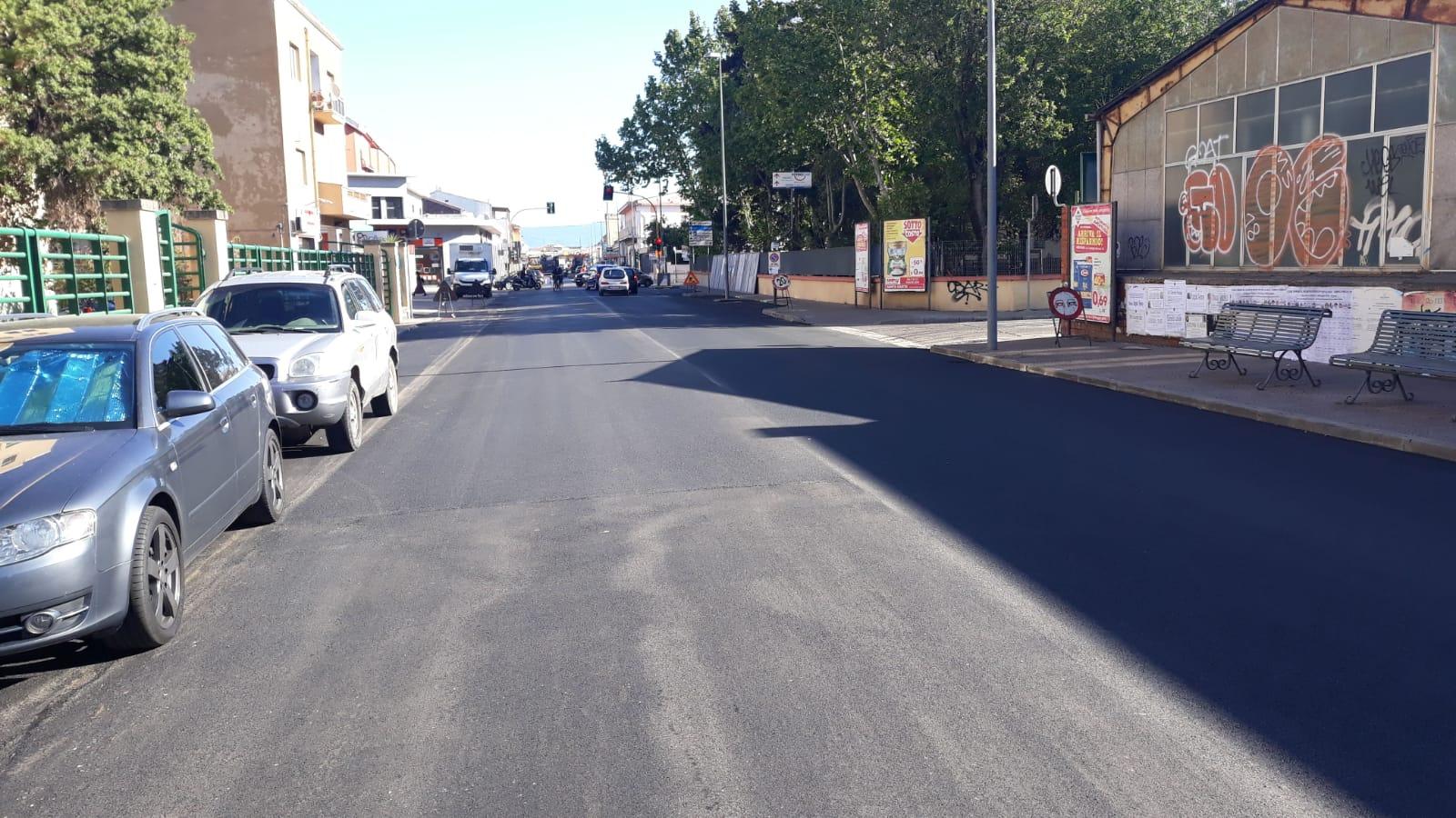 Via cagliari asfaltata a Oristano. Al via nella città di Oristano e nelle frazioni un progetto da 500 mila euro per la manutenzione straordinaria e la messa in sicurezza delle strade urbane.
